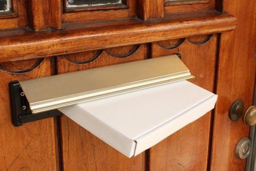 De verzendkosten: welk boekformaat is ideaal voor de brievenbus?