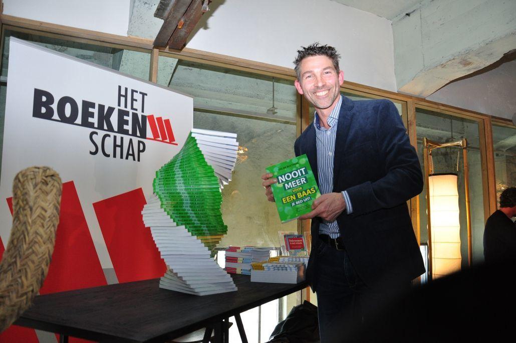 Oscar Bulthuis Nooit meer voor een baas je bed uit boek presentatie